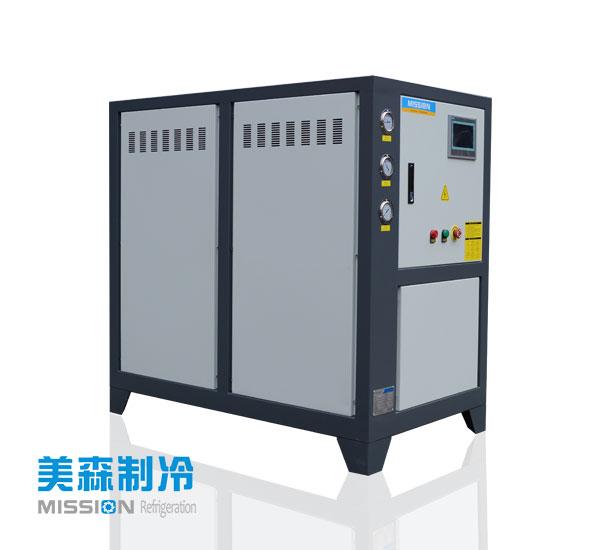 影响冷水机组效率的因素